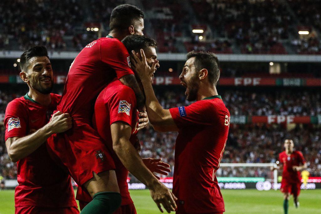 Andre Silva celèbre son but avec le Portugal