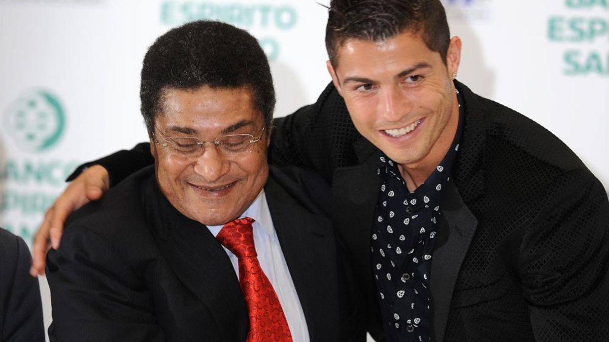 Ronaldo, Figo et Eusébio candidats au Ballon d'Or Dream Team