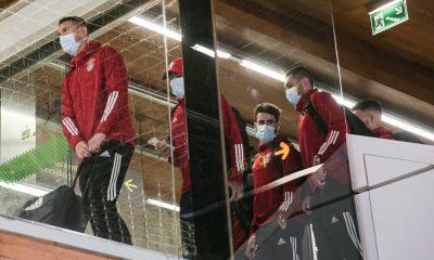 Rafa et Jardel avec le groupe du SL Benfica