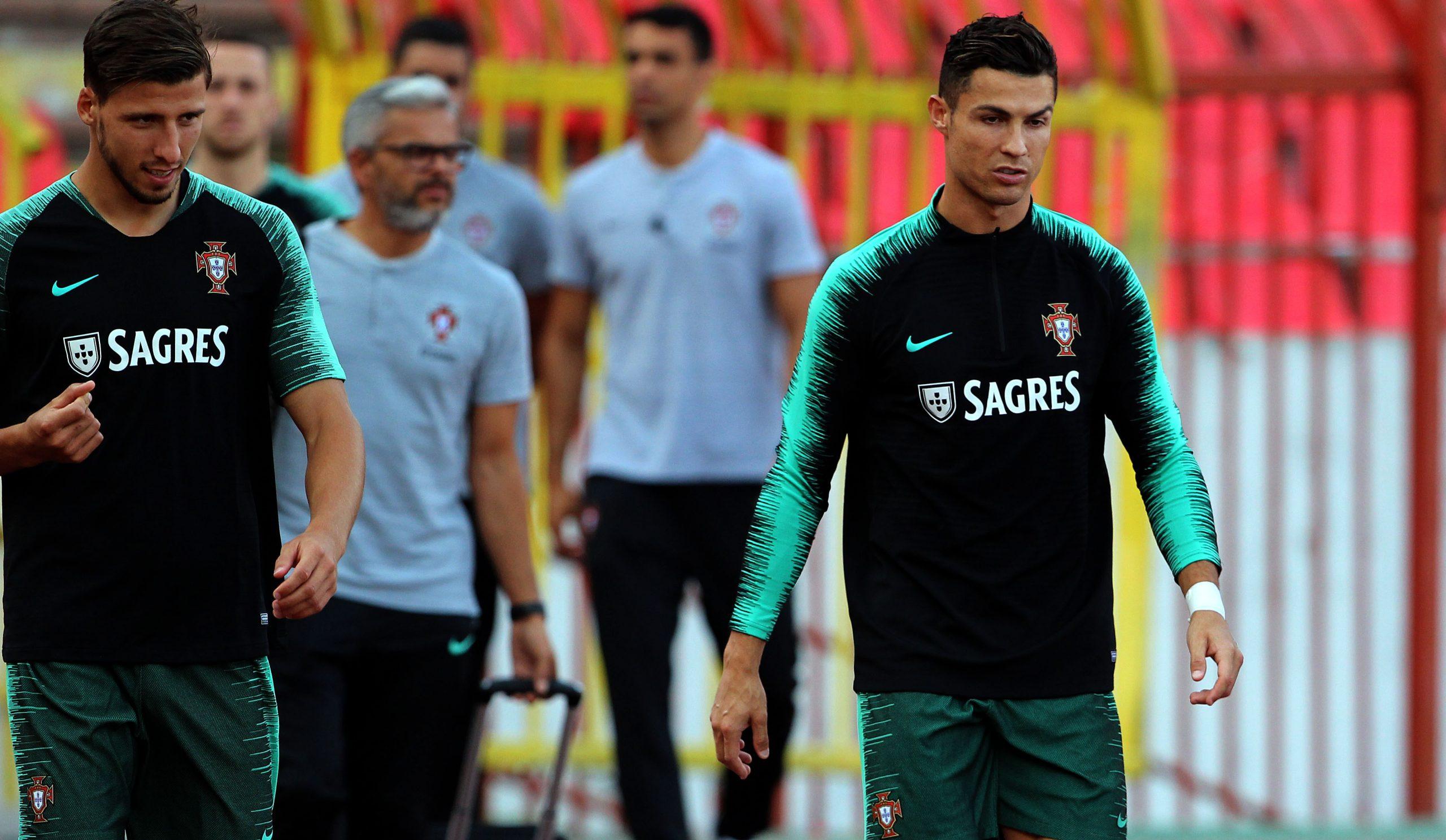Ruben Dias et Cristiano Ronaldo