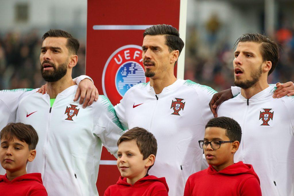 Euro 2021 à l'approche, la liste du Portugal. Rui Patricio, José Fonte et Ruben Dias lors de l'hymne national du Portugal.