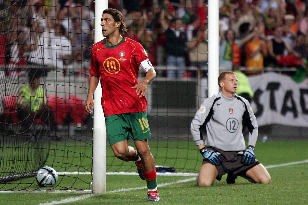Rui Costa célèbre face à la Russie lors de l'EURO 2004