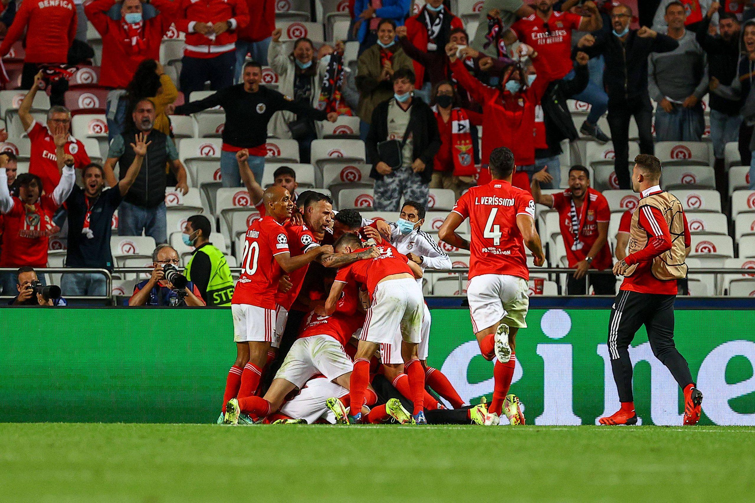 Le SL Benfica célèbre face au FC Barcelone